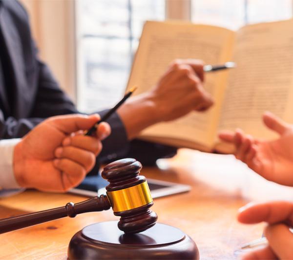 Юристы в Тюмени фото